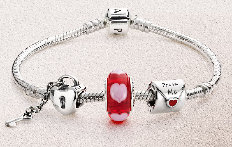 pandora valentine bracelet silver and murano glass beads and charms