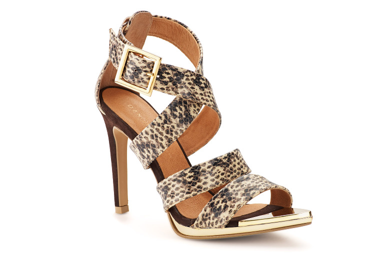 Simpson ladies shoe in snakeskin by Danyelle.